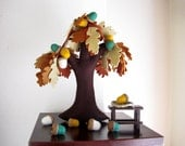 Oak tree in autumn. Felt Tree. Fiber art home decor.
