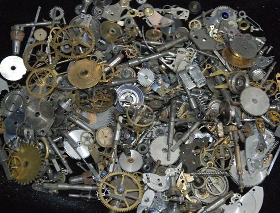 2 1/2 oz Vintage Watch movements parts cogs gears Steampunk  70 grams Z25