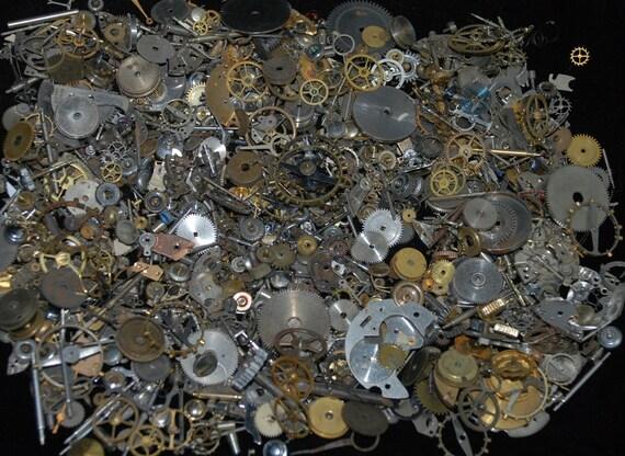 5 oz Vintage Watch parts cogs gears Steampunk Altered Art 142 grams Z94