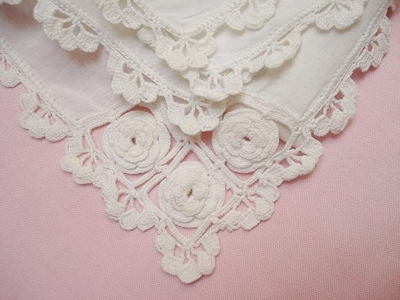 Vintage Linens Lace Hanky Handkerchief w Irish Crochet