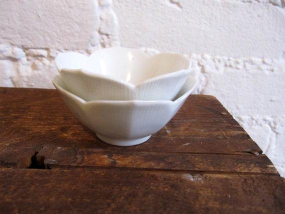 2 Small Lotus Tulip Flower Bowls