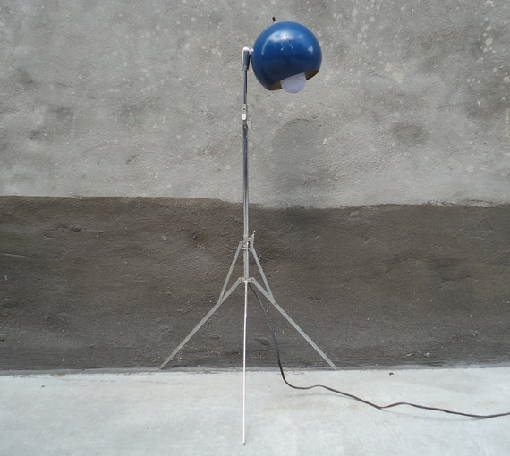 Modern Chome Tripod Eyeball Lamp.  Sonneman Style.