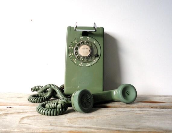 Rotary Wall Mount Avocado Green Telephone