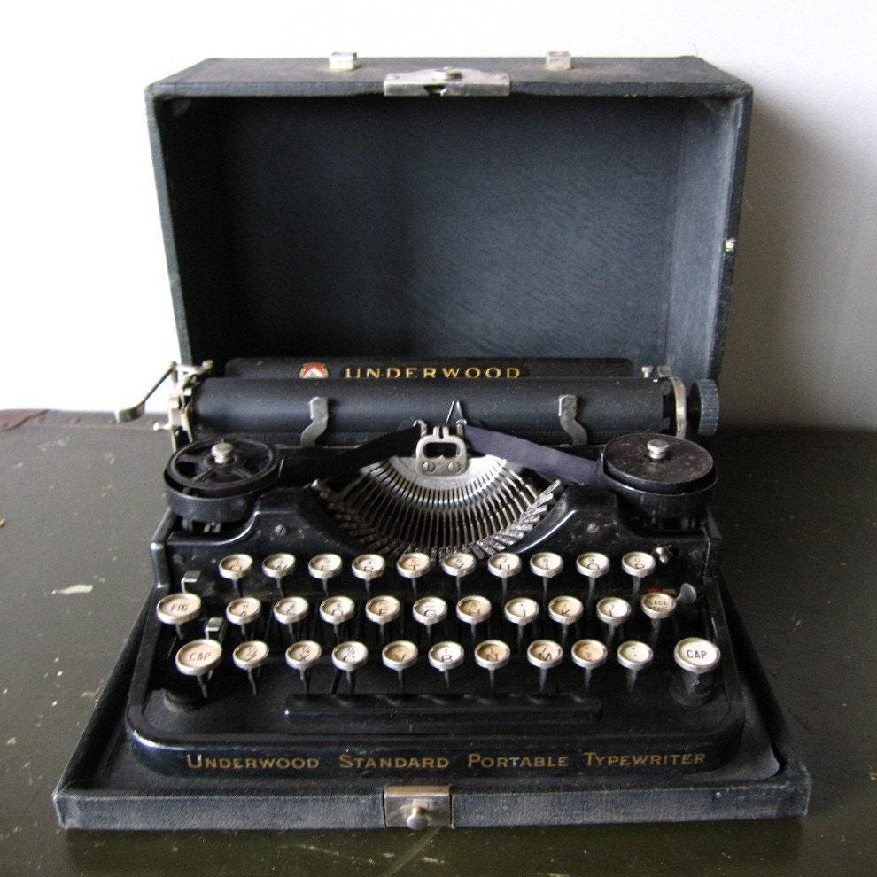1920 underwood standard portable typewriter great working