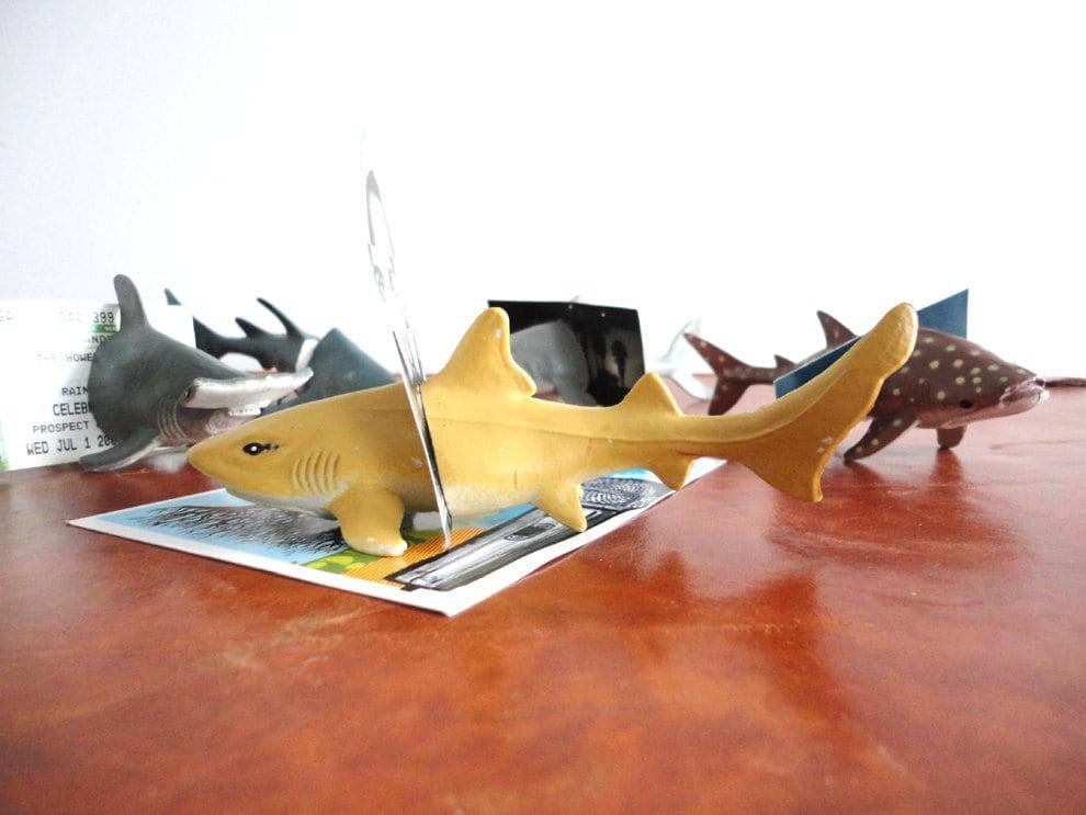 Lemon Shark Toys : Lemon shark vintage animal magnet photo holder a gg
