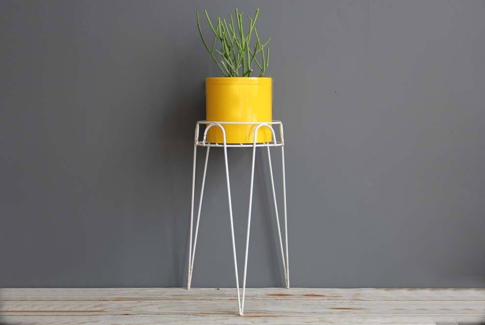 Modern Metal Hairpin Plant Stand by GallivantingGirls on Etsy