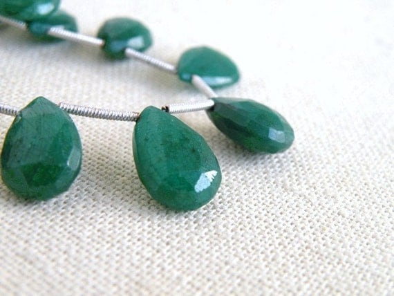 Emerald Gemstone Briolette Faceted Green Teardrop 10.5 to 12mm 4 beads