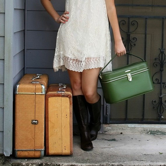 VINTAGE Moss Olive Green TRAIN CASE Luggage Pick Your Poison