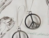 SiLVer PeACe sign earrings NicKLe free