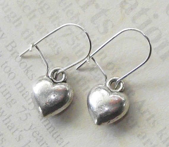 SMALL silver HEART Earrings PIF