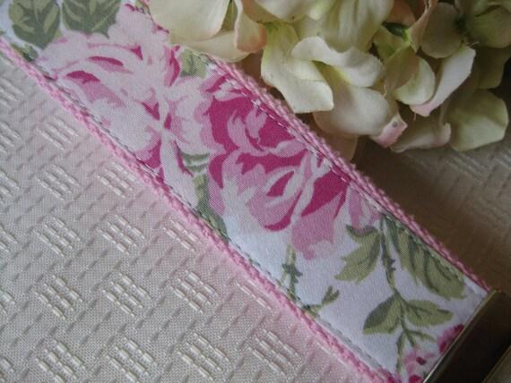 Shabby Pink Rose Fabric Chic Wristlet Key Chain Key Fob