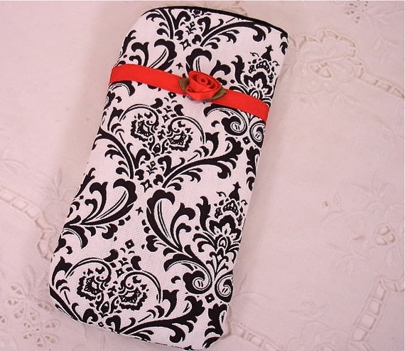 Eyeglass or Sunglass, iPod or Gadget Holder in Black and White Damask
