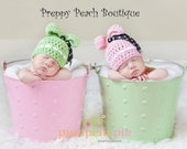 Crochet Baby Hats, Boys or Girls, 2 Hats - Newborn to 3 Months - Photography Prop, TWIN Baby Beanies, Button, Bows, Photographer Prop