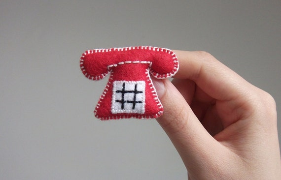 red telephone brooch
