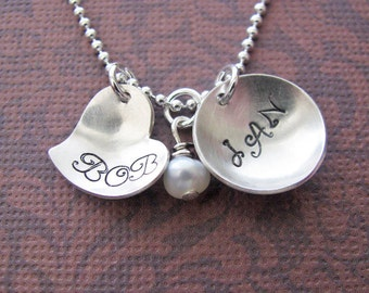 hand stamped silver heart and circle necklace