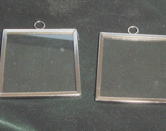 4 Pieces 2x2  Inch Silver Frames With  Glass by Darice (019)