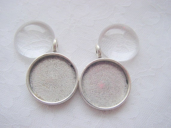 2 Round Pewter Pendant Trays Silver Plated (No. ND104WG) With Custom Glass Dome
