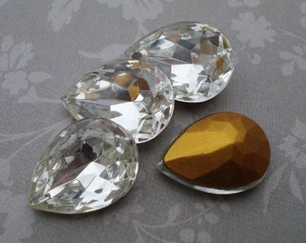 Vintage 18x13mm Clear Pear/Teardrop Gold Foiled Pointed Back Glass Jewels or Cabs (2 pieces)