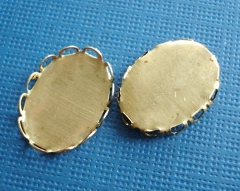 Brass Oval Lace Edge Settings for 14x10mm Flat Back Cabs or Jewels (6 pieces)