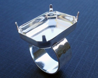 1 Silver Adjustable Ring with 10mm Hammered Band and 25x18mm Vertical Octagon Setting