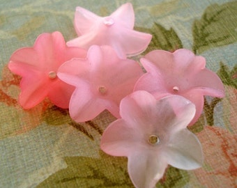 Frosted Lucite Flowers in Shades of  Pink 18mm (12 pieces)