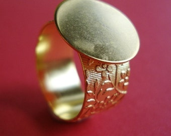 Gold Adjustable Ring with 10mm Floral Band and 16mm Base for a Flat Back Cab or Jewel (1 piece)
