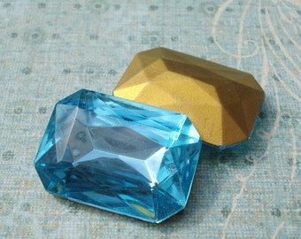 Vintage 25x18mm Aquamarine Blue Octagon Gold Foiled Pointed Back Glass Jewels (2 piece)