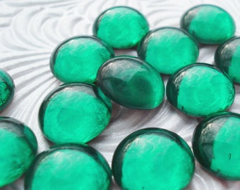 Vintage 13mm Emerald Green Preciosa Gold Foiled Flat Back Round Glass Cabs or Stones (6 pieces)
