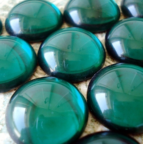 Large Vintage Emerald Green Round Glass Gold Foiled Flat Back Cabachons 20mm (3 pieces)