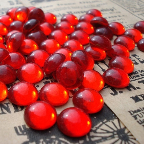 12 Vintage 9mm Ruby Red Gold Foiled Flat Back Round Glass Cabs or Stones