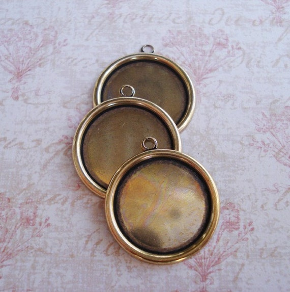 18mm Antique Gold Plain Edge Hollowed Back Round Settings for Flat Back Cabs or Jewels (3 pieces)