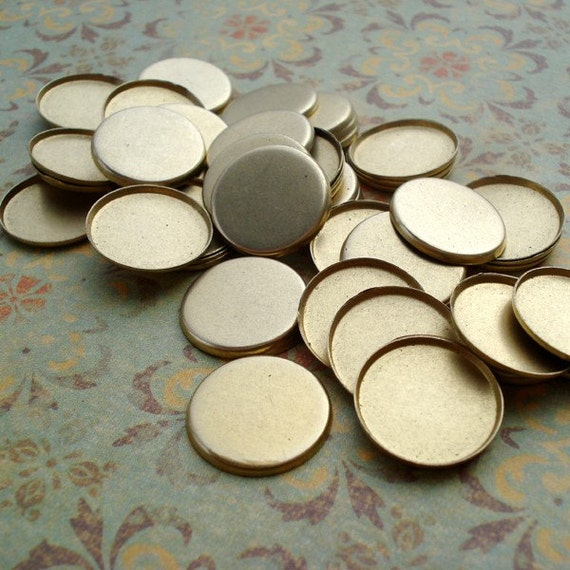 15mm Brass Closed Back Low Wall Round Bezel Settings for Flat Back Cabs (12 pieces)