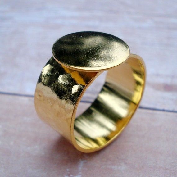 Gold Adjustable Ring 10mm Hammered Band with 12.5mm Round Base Setting for a Flat Back Cab or Jewel (1pc)