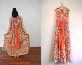 Vintage Maxi Dress / Vibrant Floral Maxi / Ruffle Dress / 1970s