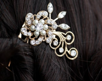 Small gold Bridal Comb Pearl and Rhinestone Flower . LITTLE SABINE.