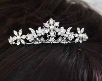 Small Tiara Pearl and Rhinestone Tiara, Veil Hair Comb, Swarovski Crystal Flower  Wedding Hair Accessories, PEARLA MINI TIARA
