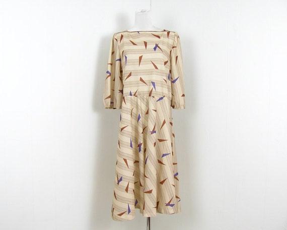 1970s Secretary Dress Geometric Print Day Dress M L Tan Light Brown