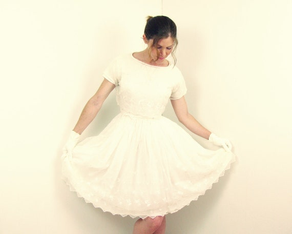 Items similar to 1950s wedding dress 50s tea length full for Etsy tea length wedding dress