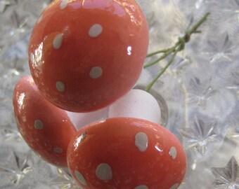 Made In Germany 3 Jumbo Spun Cotton Mushrooms In Pink