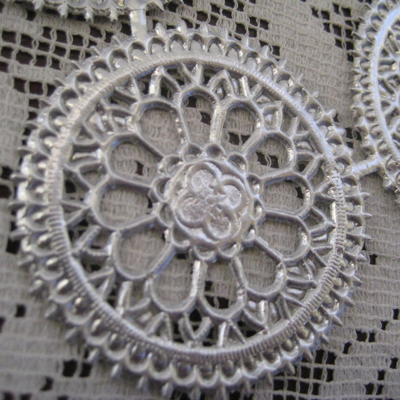 Dresden Trim Silver Medallions Halos Made In Germany 4 Die Cuts Christmas