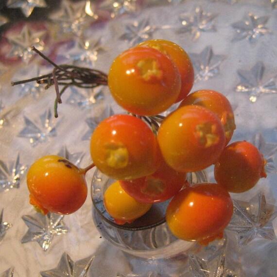 10 Vintage Millinery Orange And Yellow Berries Berry Stamen Peps