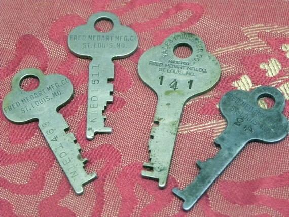 4 Vintage Keys Fred Medart St. Louis MO