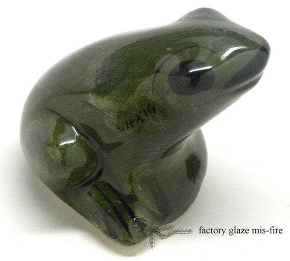 Vintage TONALA  Dark Green FROG FIGURINE signed Mexico Unusual Example