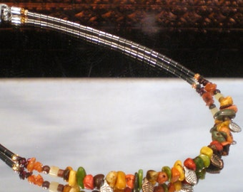 Autumn Howlite with Tiny Leaves Necklace