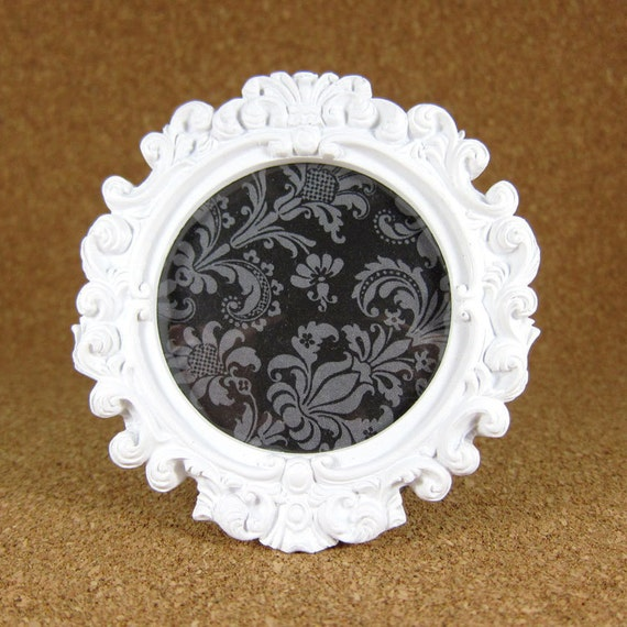 White Vintage Rococo Style - picture frame