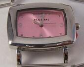 Spielraum-Landschaft... Kleine rosa Rechteck austauschbaren Band Uhr Gesicht, solide Bar, versilbert