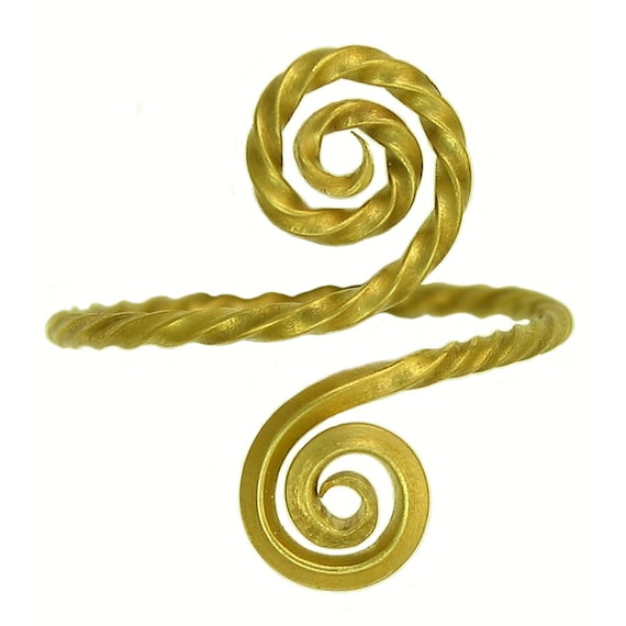 18k gold Twisted wire Swirl ring MADE TO ORDER using 100 percent recycled gold