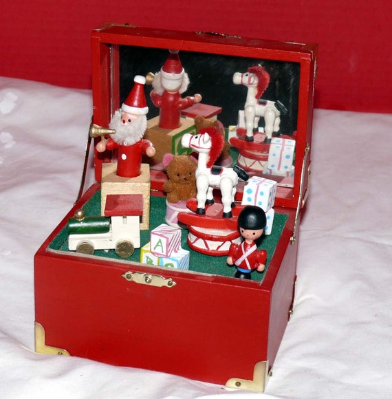 Music Box - Christmas Wooden Toy Box - Wooden Characters - Interactive Musical Characters