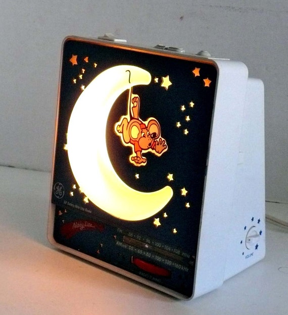 GE Childs Moon and Stars Night Light AM FM Radio with Sleep Function 1985