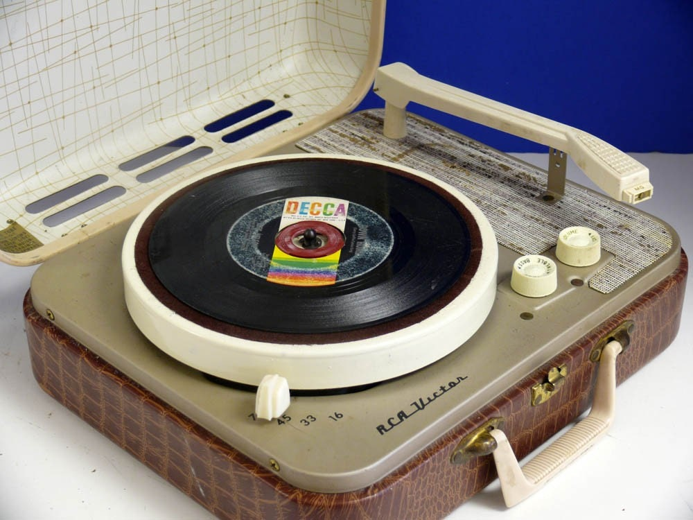 Restored 1950 S Rca Portable Record Player